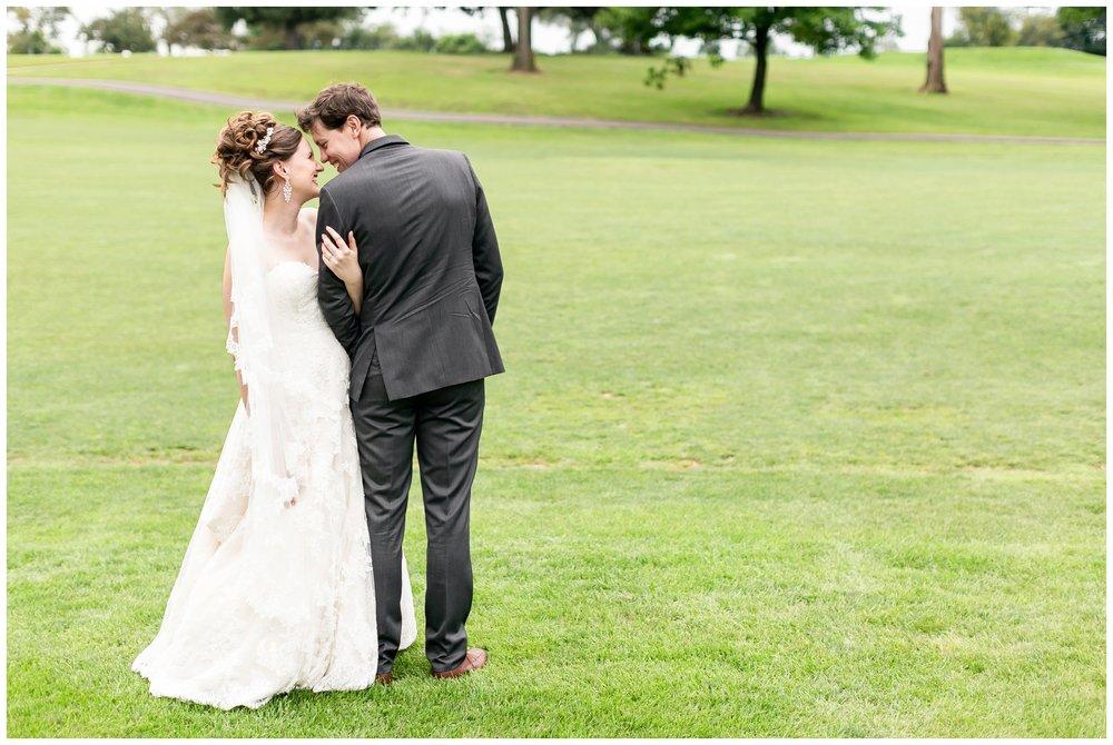 lake_windsor_country_club_wedding_liz_and_scott_0745.jpg
