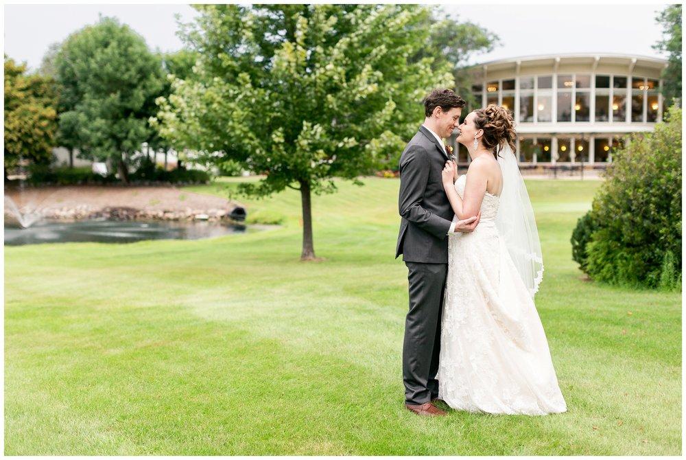 lake_windsor_country_club_wedding_liz_and_scott_0750.jpg