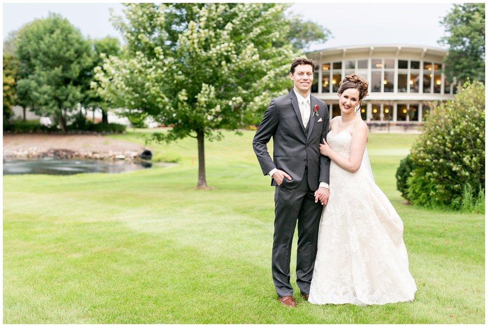 lake_windsor_country_club_wedding_liz_and_scott_0752.jpg
