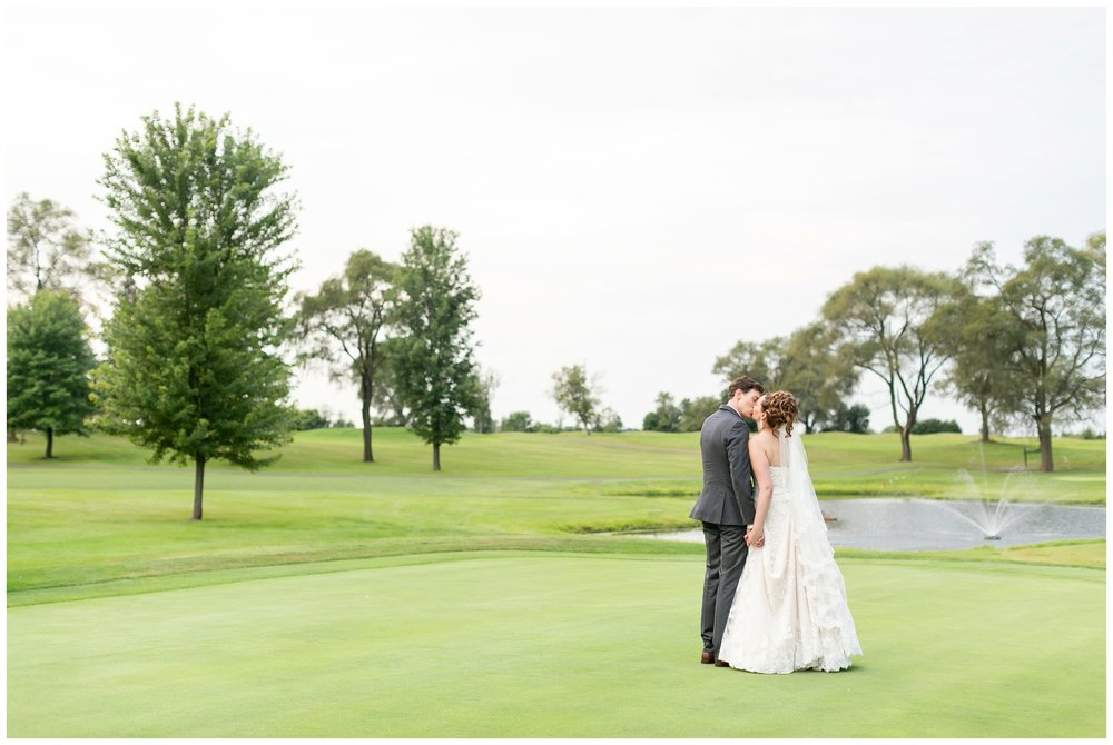 lake_windsor_country_club_wedding_liz_and_scott_0758.jpg