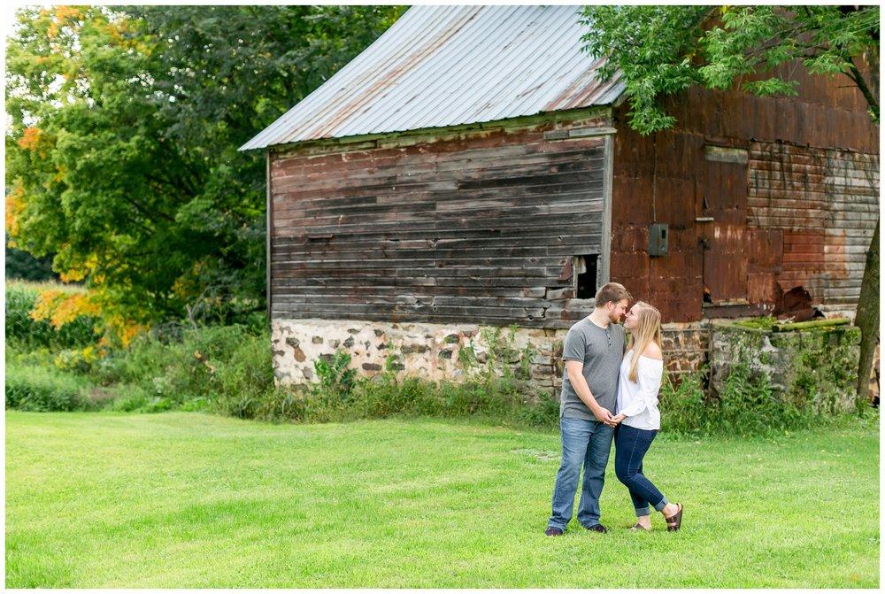 Madison_wisconsin_wedding_photographers_engagement_session_1294.jpg