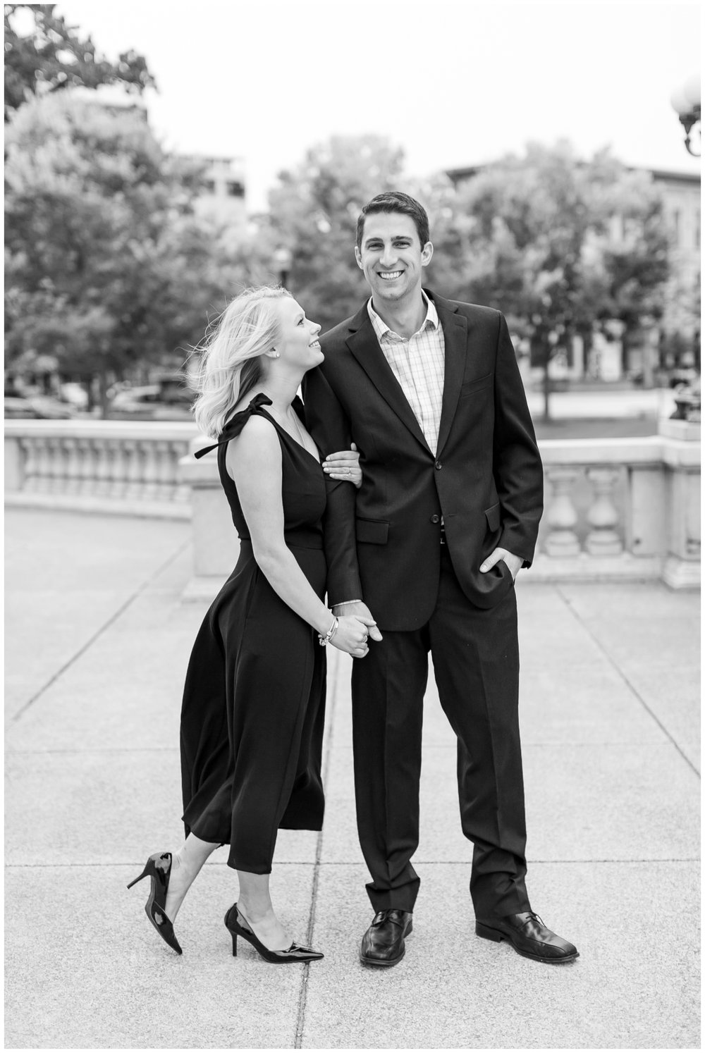 Downtown_madison_wisconsin_engagement_session_1496.jpg