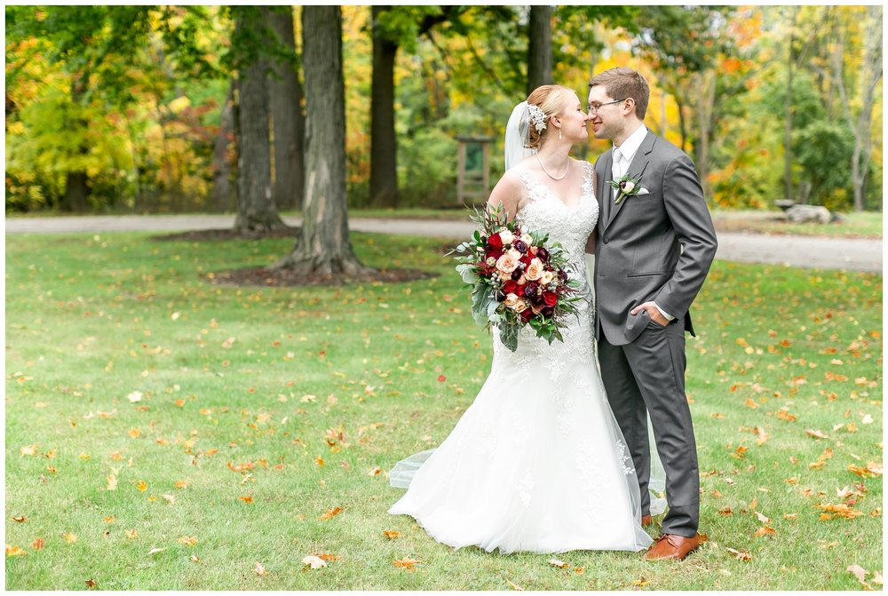 fall_wedding_pullmans_trolley_resturant_kimberly_wisconsin_1698.jpg