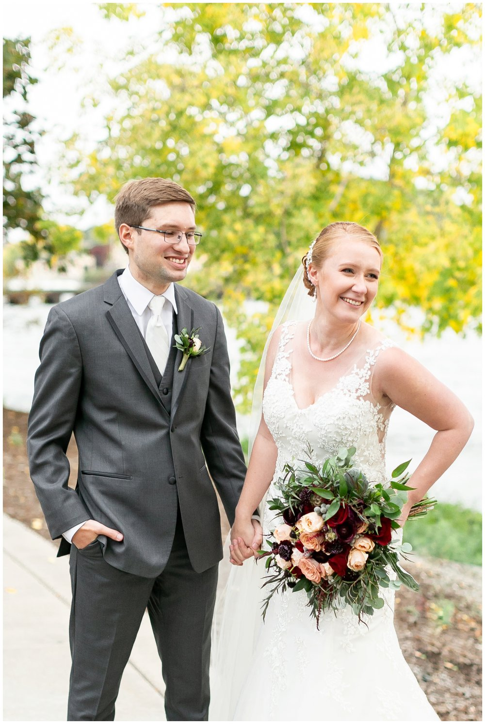 fall_wedding_pullmans_trolley_resturant_kimberly_wisconsin_1730.jpg