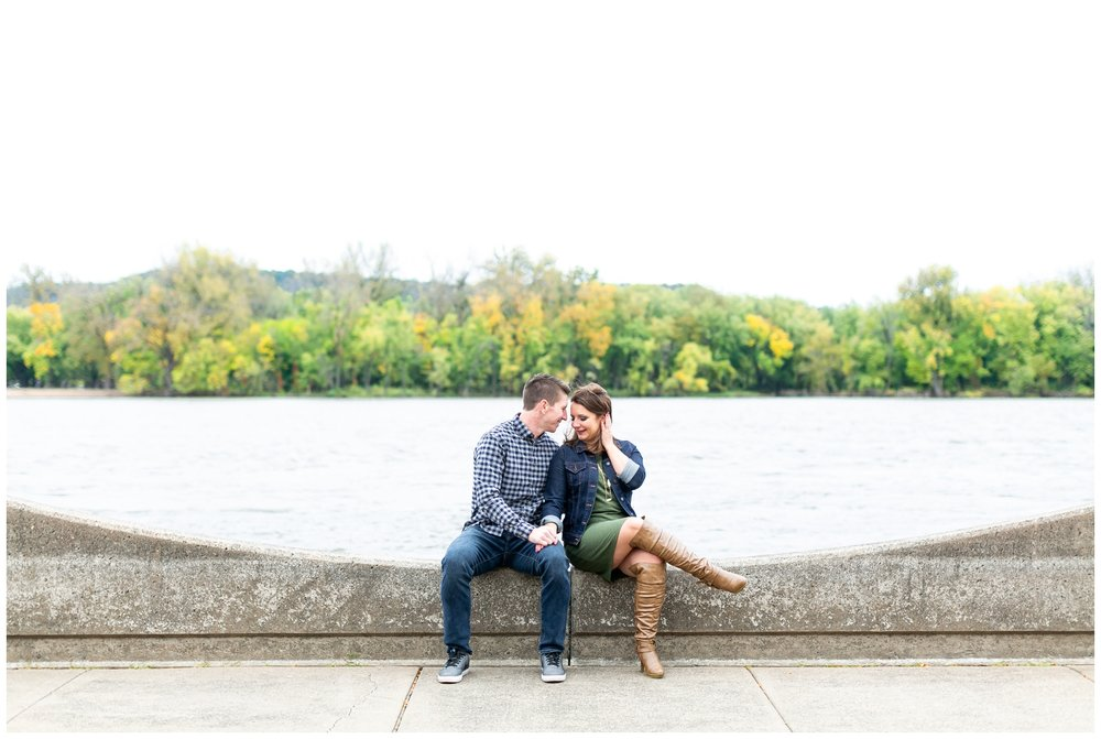 autumn_engagement_session_winona_minnesota_caynay_photo_1762.jpg