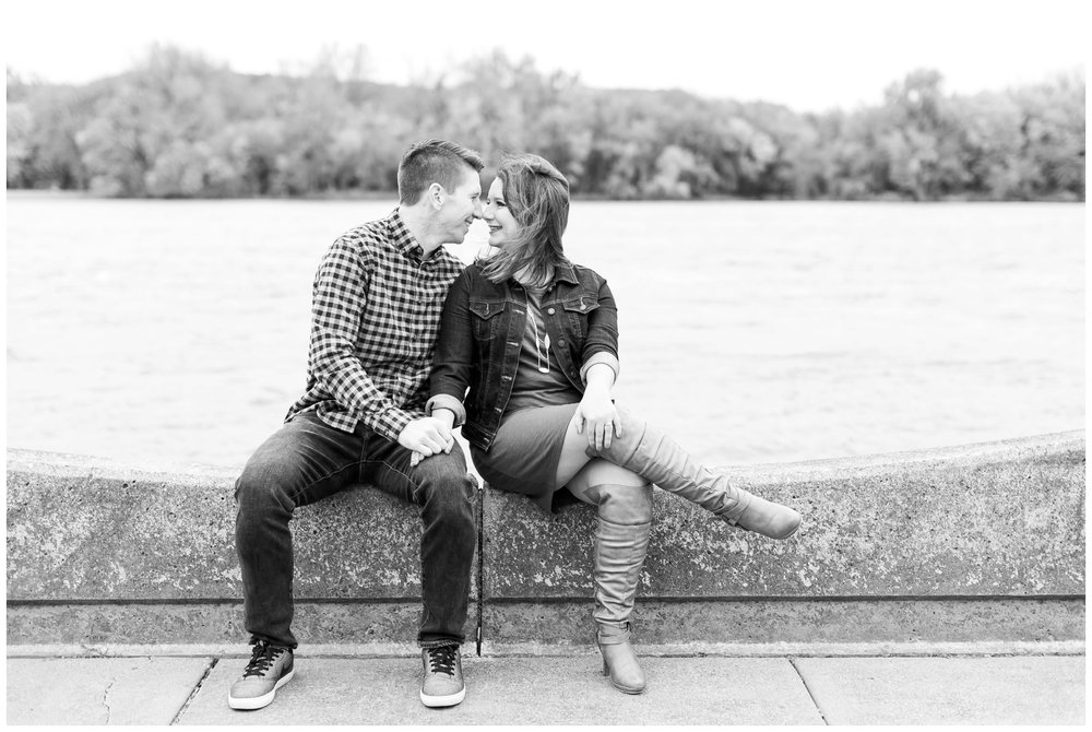 autumn_engagement_session_winona_minnesota_caynay_photo_1763.jpg