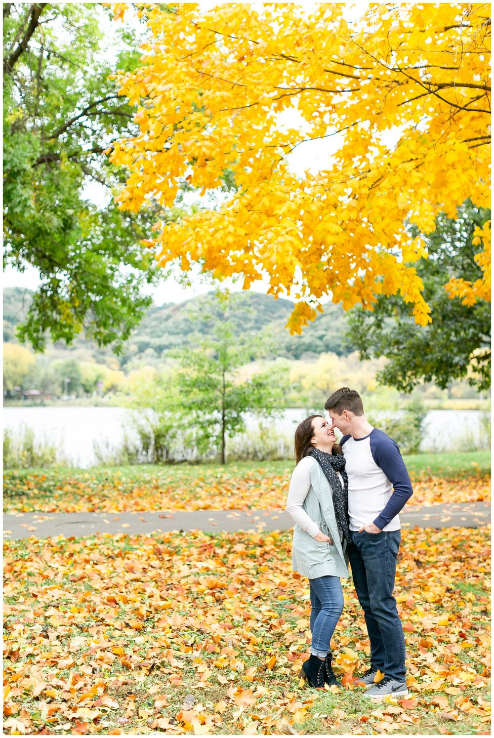 autumn_engagement_session_winona_minnesota_caynay_photo_1777.jpg