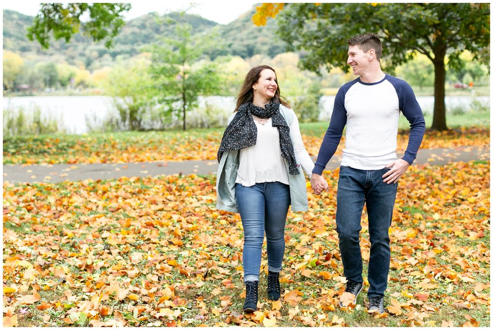 autumn_engagement_session_winona_minnesota_caynay_photo_1784.jpg