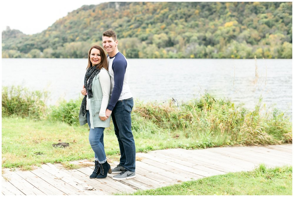 autumn_engagement_session_winona_minnesota_caynay_photo_1787.jpg