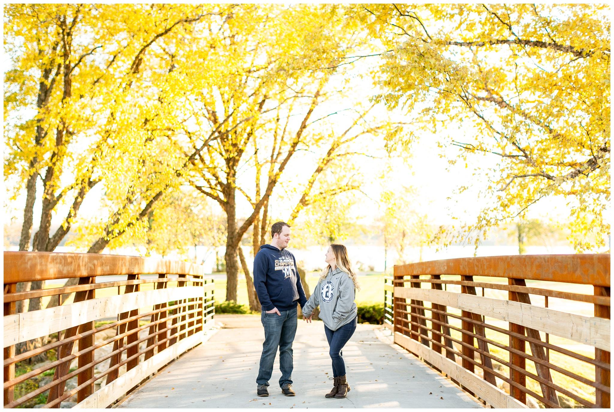 Autumn Colors In Vilas Park Lagoon >> Kelli Blaise Autumn Engagement Session At Vilas Park In Madison