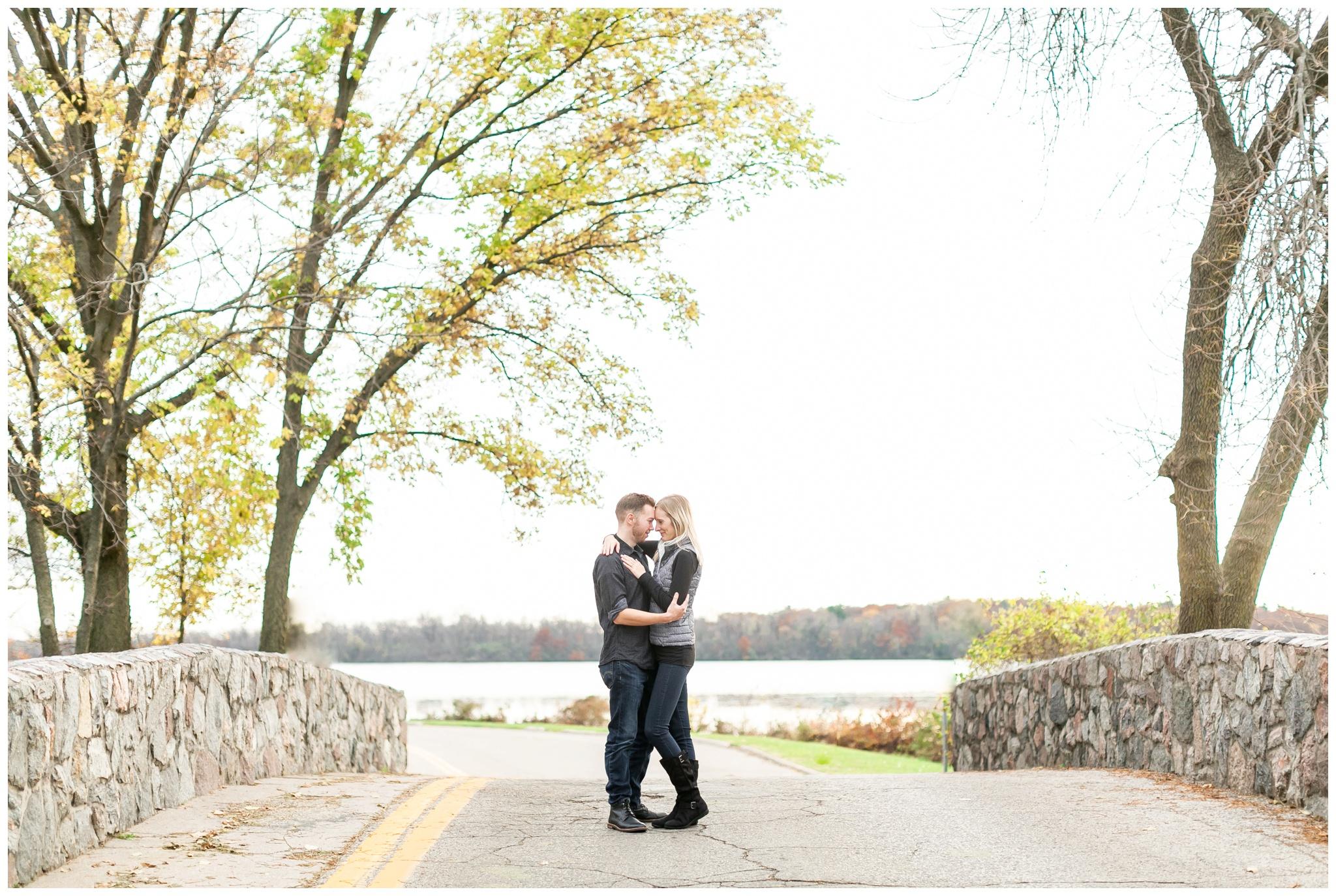 Spring In Vilas Park >> Anne Emmett A Vilas Park Engagement Session In Late Autumn