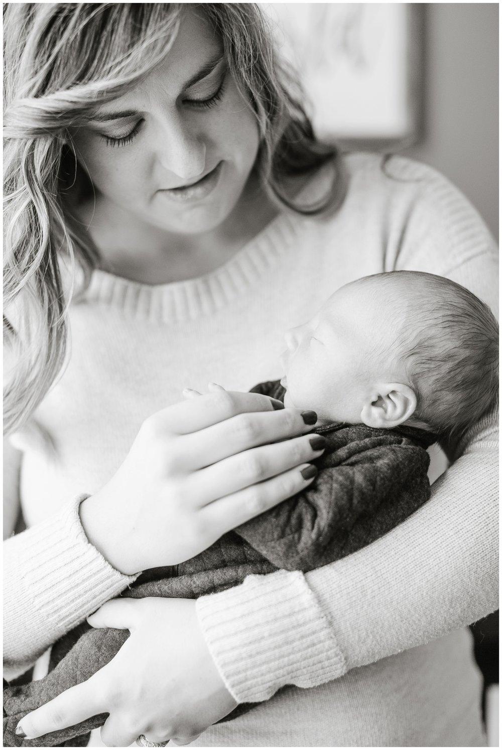 Lifestyle_newborn_session_Madison_wisconsin_photographers_2238.jpg