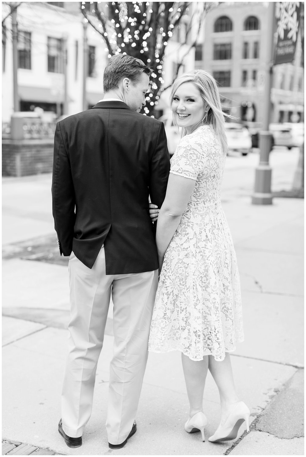 third_ward_engagement_session_milwaukee_wisconsin_photographers_2976.jpg