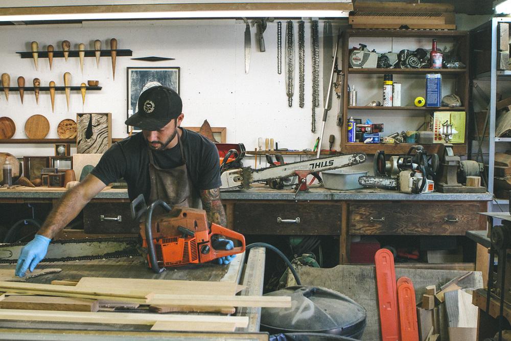 ido-yoshimoto-saw-shop-1.jpg