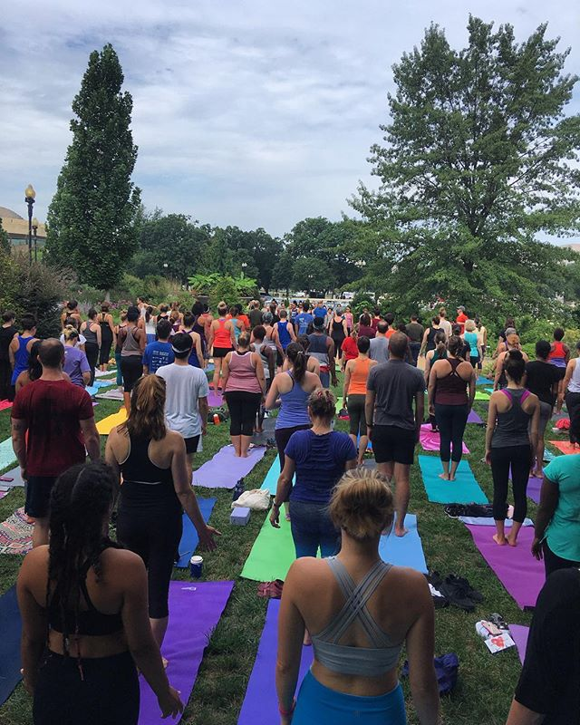 So grateful to the many beautiful humans who showed up to #practicewithlove at the @usbotanicgarden this past Saturday! Big love to @yogibango for guiding our flow! #popupyoga #WithLoveDC #spreadlovedc