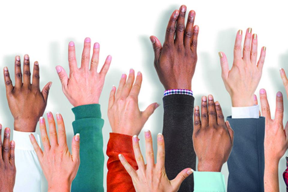 CSQ10-volunteering-hands-960.jpg