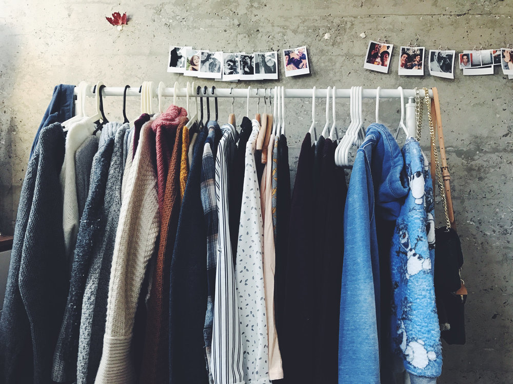 How To Get The Most Out Of A Capsule Wardrobe | akindjourney.com #TheKindBrands
