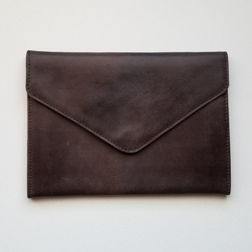 A Kind Boutique Tigist Clutch | Kind Gift Guide akindjourney.com