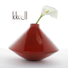Red ceramic toupie vase handcrafted in Morocco