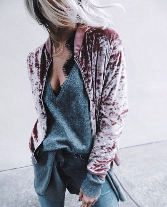 Andrea_Fenise_Velvet_Fashion_Inspiration
