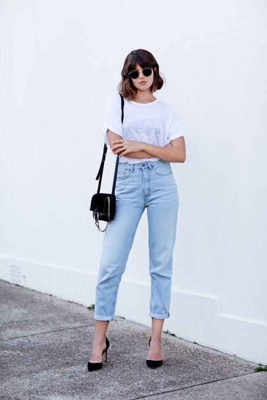 Andrea Fenise Memphis Fashion Blogger shares minimalist style outfits to recreate