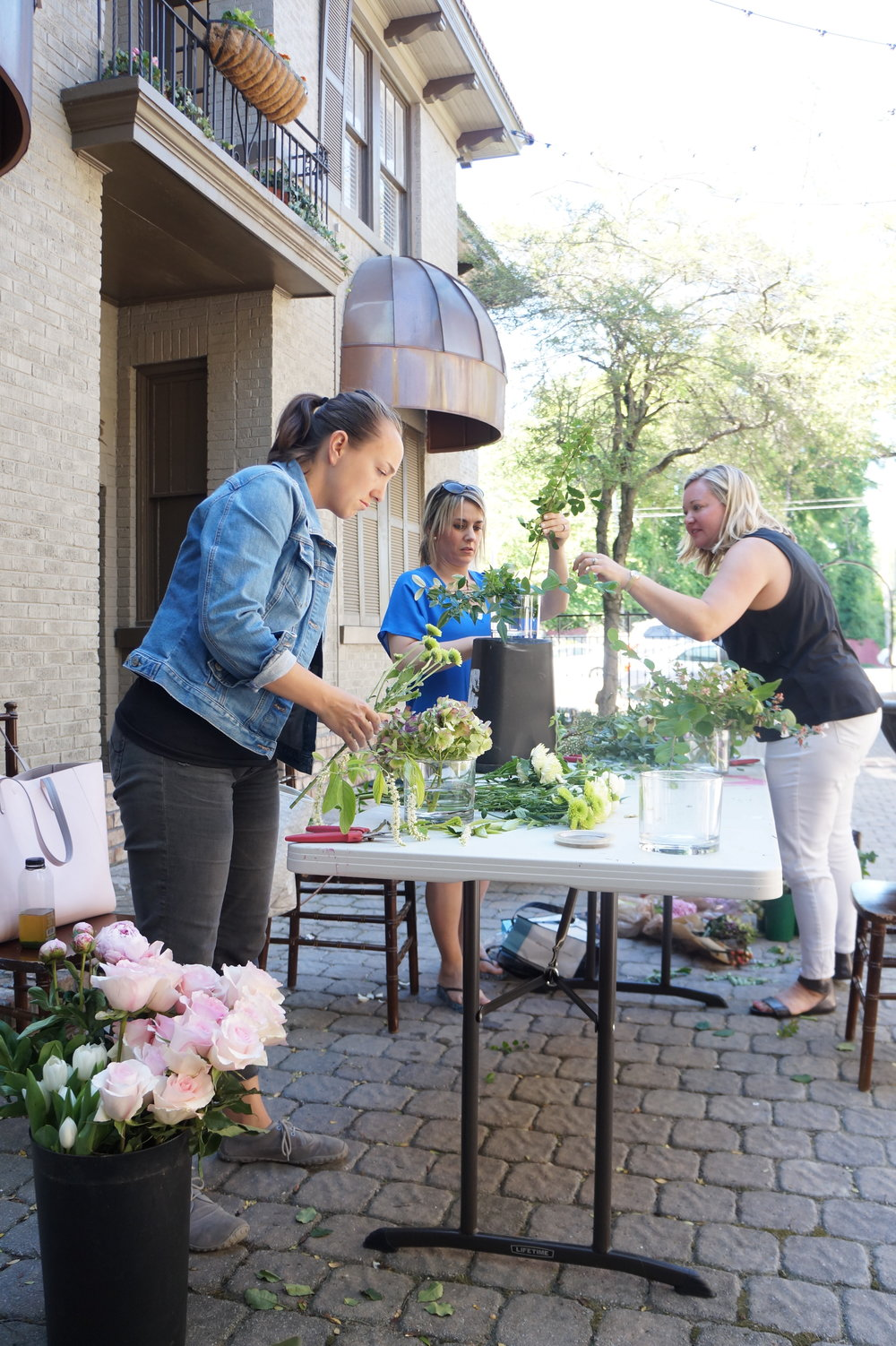 Andrea Fenise Memphis Fashion Blogger shares how to make a diy mothers day floral arrangement
