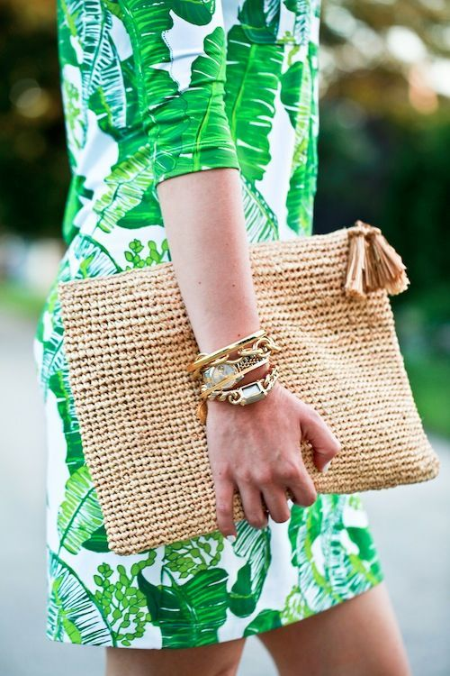 Andrea Fenise Memphis Fashion Blogger shares the straw bag trend