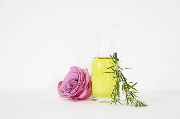 Andrea Fenise Memphis Fashion Blogger shares a grapeseed oil for eczema remedy