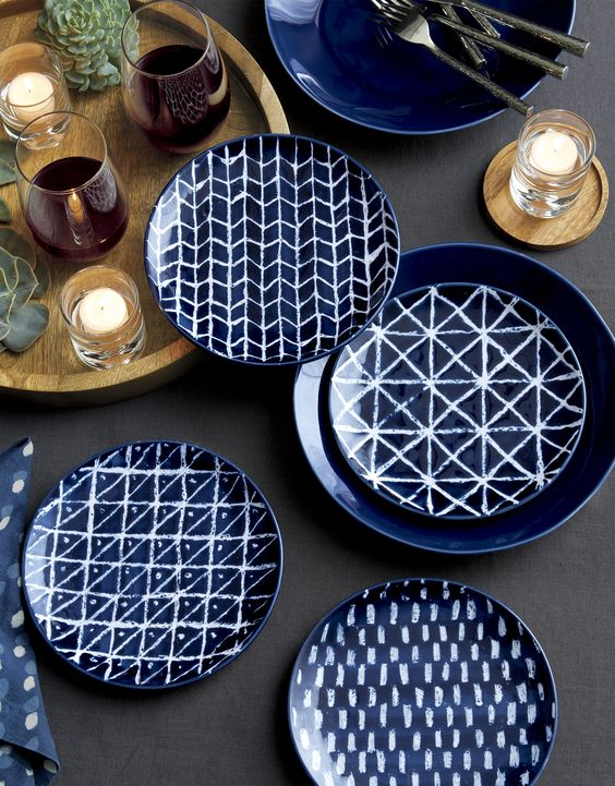 Andrea Fenise Memphis Fashion Blogger and Memphis Lifestyle Blogger shares inspiration for Thanksgiving table decor