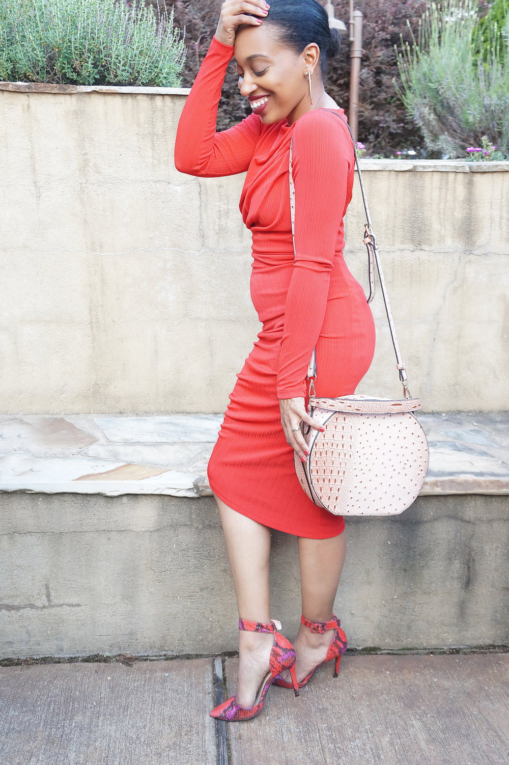 Andrea Fenise Memphis Fashion Blogger shares outfit H&M dress