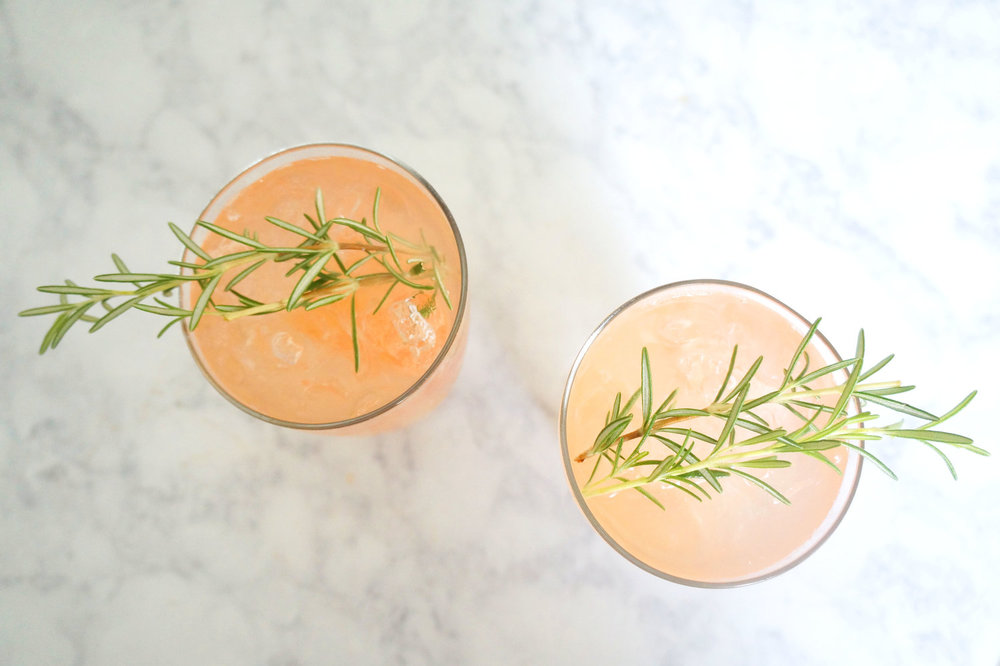 Andrea Fenise Memphis Fashion Blogger shares Rosemary and Grapefruit Cocktail for spring and summer