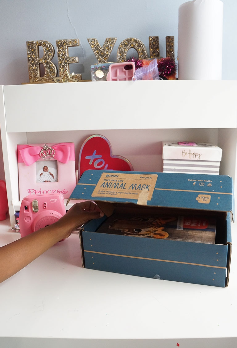 Andrea Fenise Memphis Fashion Blogger and Memphis Parenting Blogger shares KiwiCo Crate Review