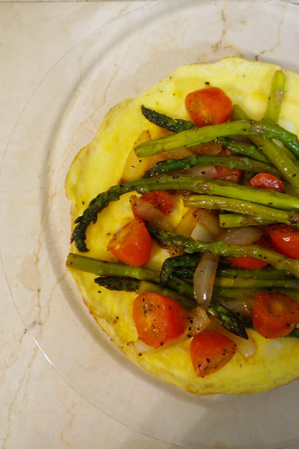 Andrea Fenise Memphis Fashion Blogger and Memphis Running Blogger shares a post workout recipe with egg frittata and asparagus and tomato
