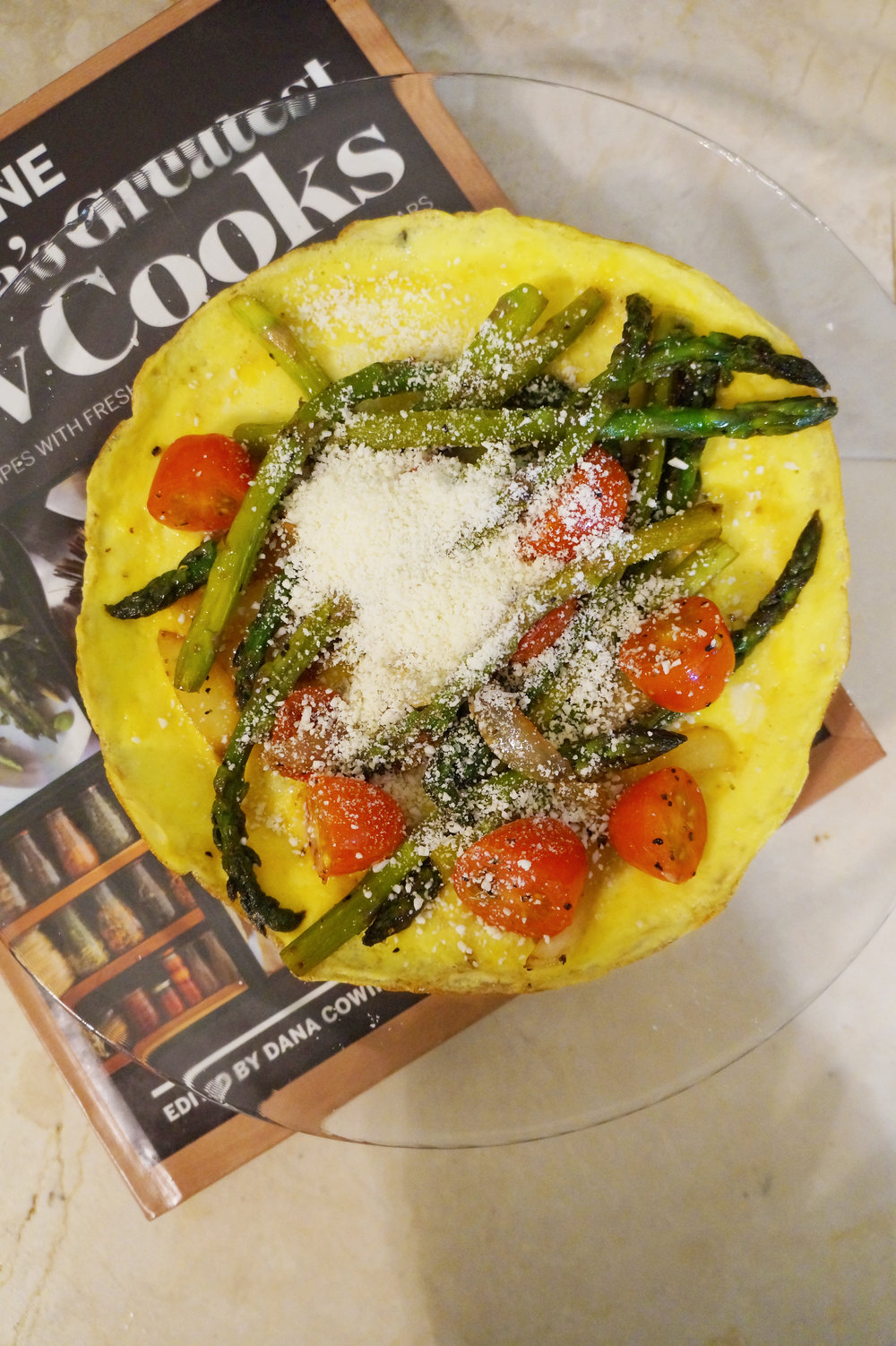 Andrea Fenise Memphis Fashion Blogger and Memphis Running Blogger shares post workout recipe with frittata with asparagus, tomatoes