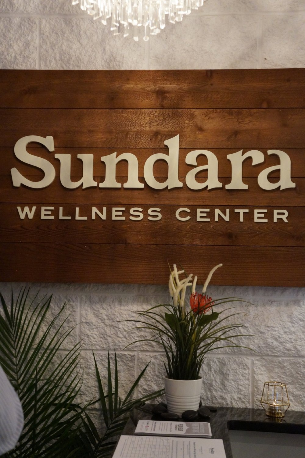 Andrea Fenise Memphis Fashion Blogger and Memphis Wellness Blogger shares visit to Memphis new wellness center Sundara Wellness
