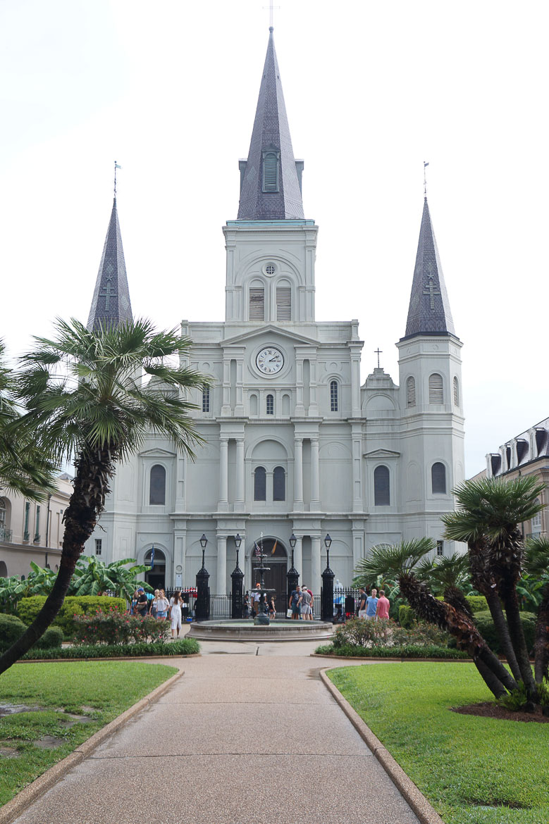 Andrea Fenise Memphis Fashion Blogger and Travel Blogger shares New Orleans City Guide