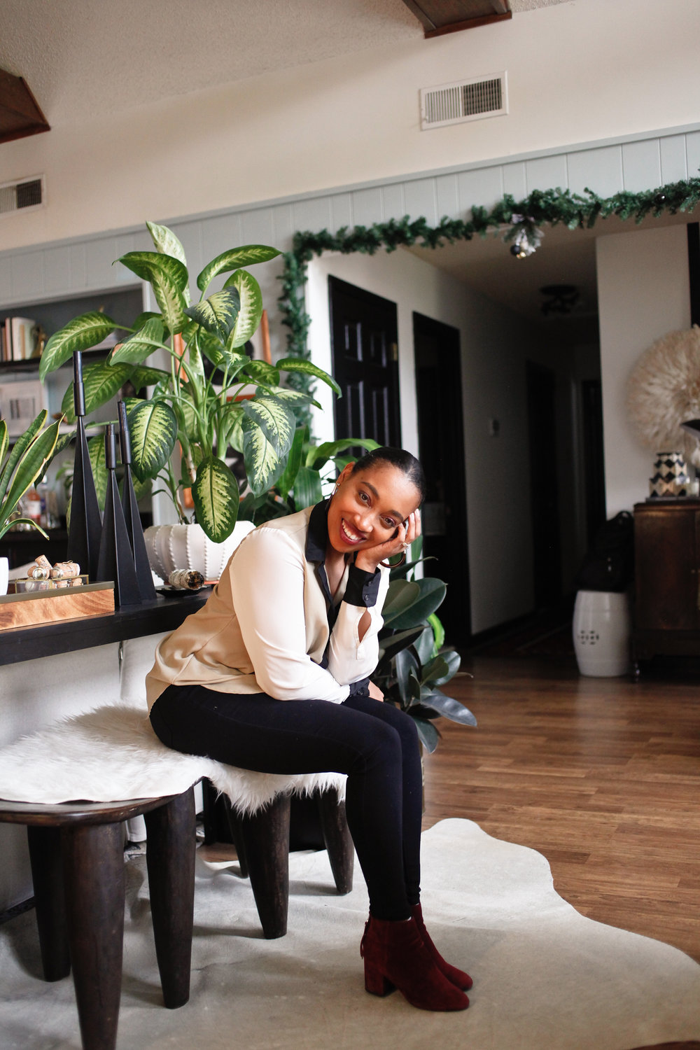 Andrea Fenise Memphis Fashion Blogger shares Friendsgiving with friends