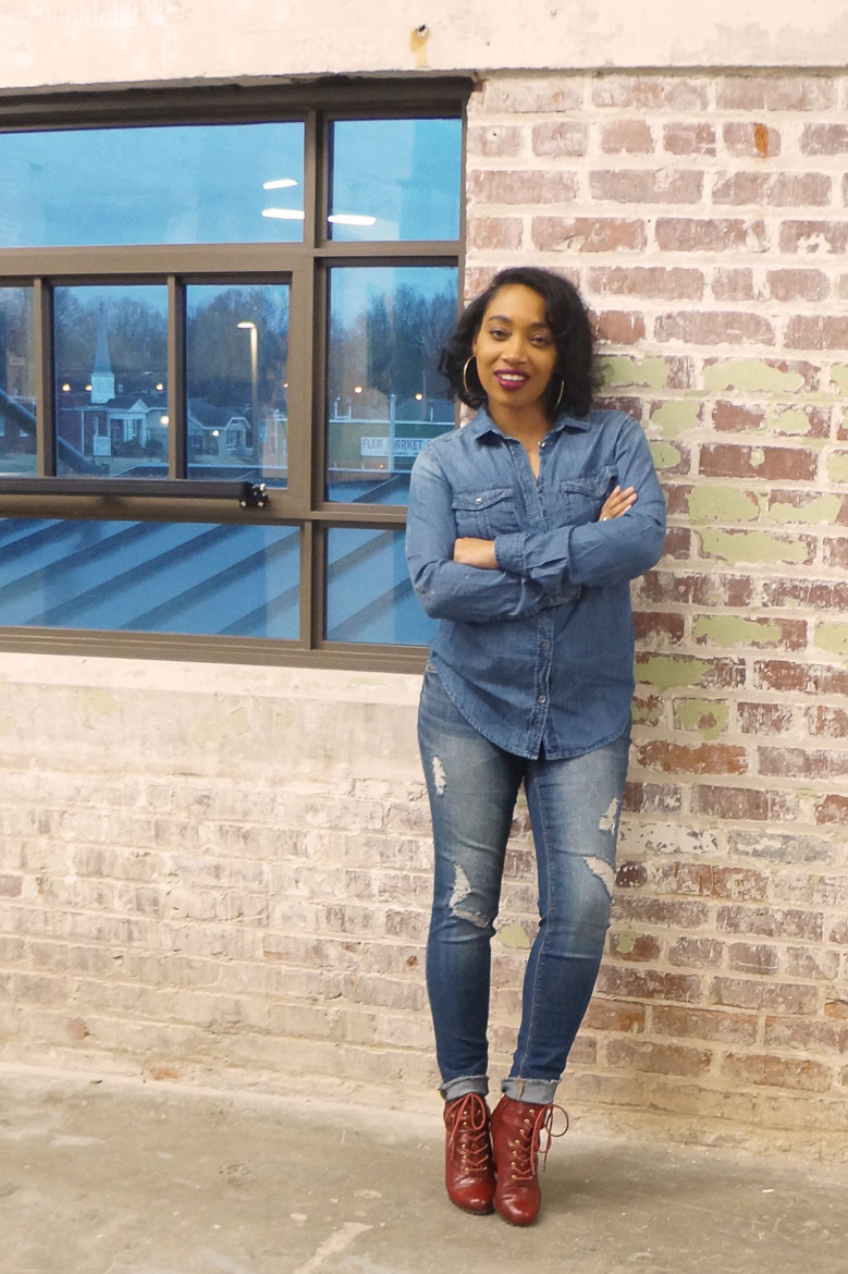 Andrea Fenise Memphis Fashion Blogger styles a Canadian Tuxedo whie pregnant