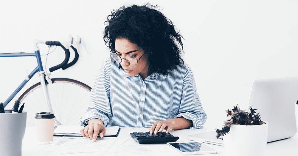 Andrea Fenise Memphis Fashion Blogger and Black FInancial Blogger shares how to budget your money