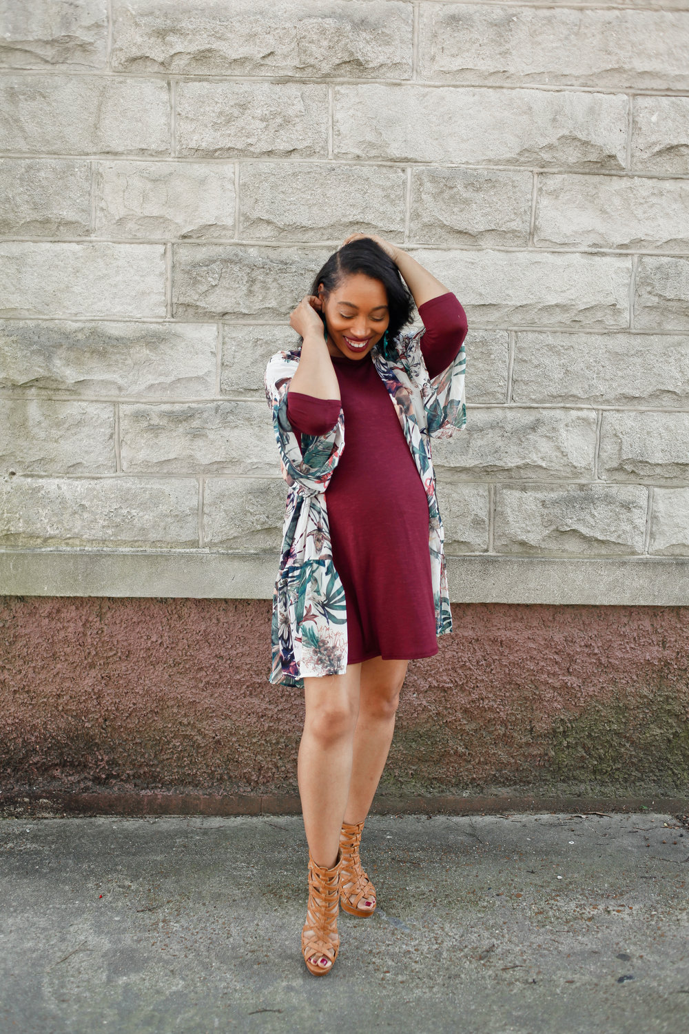 Andrea Fenise Memphis Fashion Blogger shares how to style a kimono while pregnant