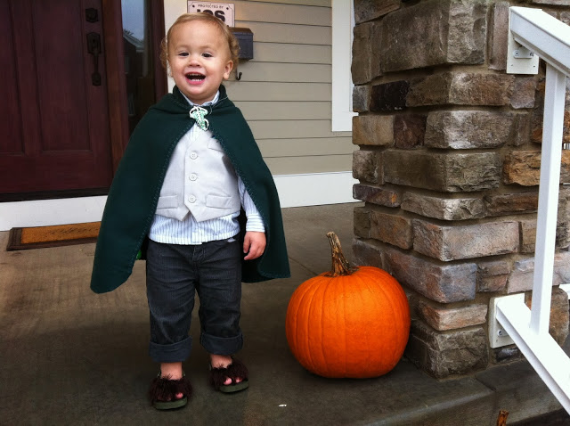 toddler-hobbit-costume.JPG