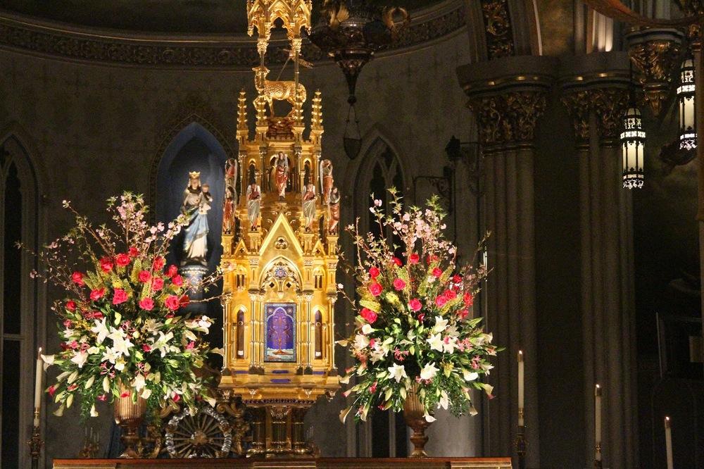 Easter-vigil-basilica-notre-dame.JPG