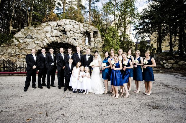 bridal-party-at-grotto.jpg