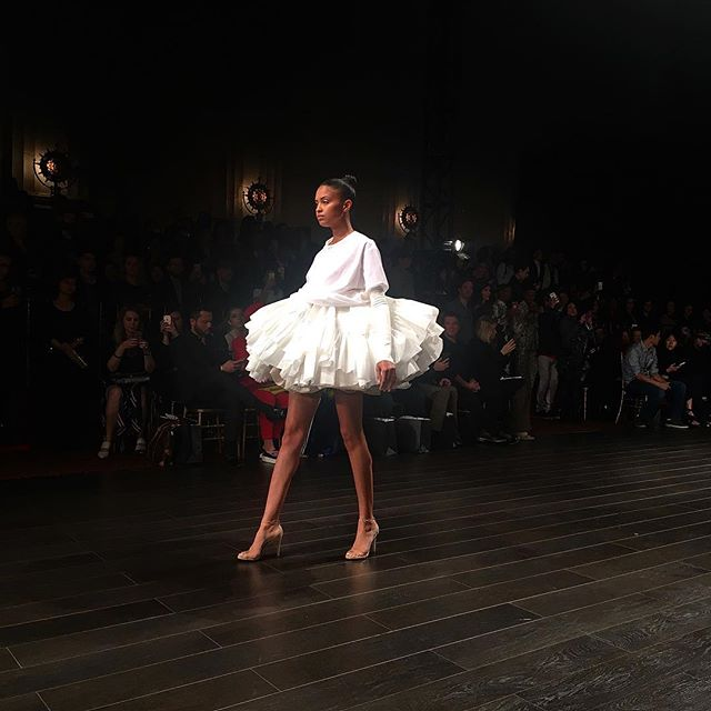 Pretty ballerina 👗by @kentarokameyama @artheartsfashion @projectrunway at LA Fashion Week 💫 #lafw #lafw2018 #lafashionweek #artheartsfashion #stylistla