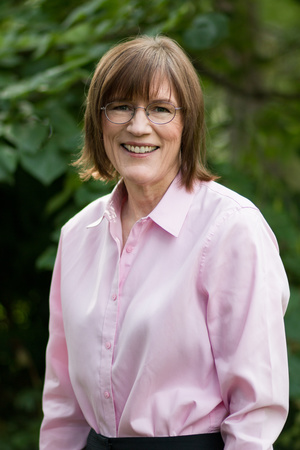 Barbara Oakley author photo (c) Rachel Oakley.jpg
