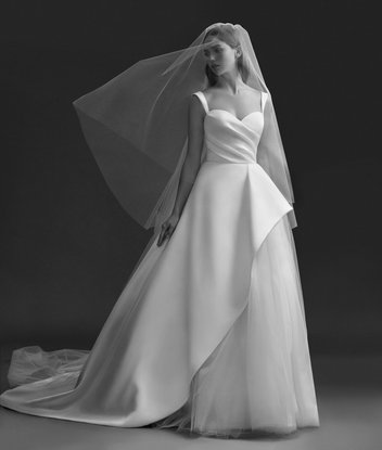 allison-webb-bridal-fall-2018-style-4850-emery_9.jpg