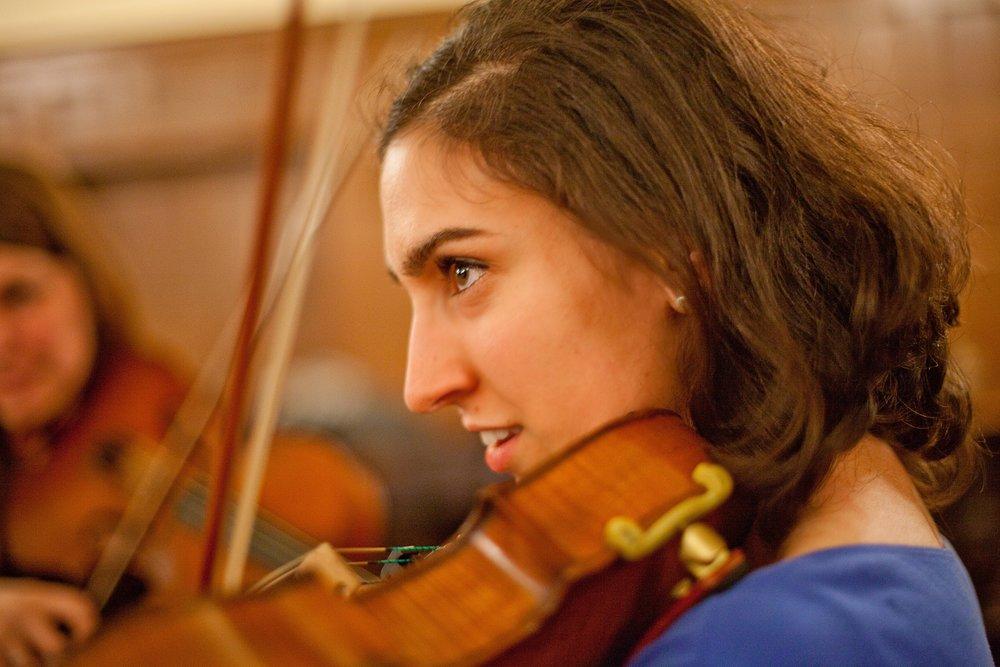 Maya Jacobs, Viola