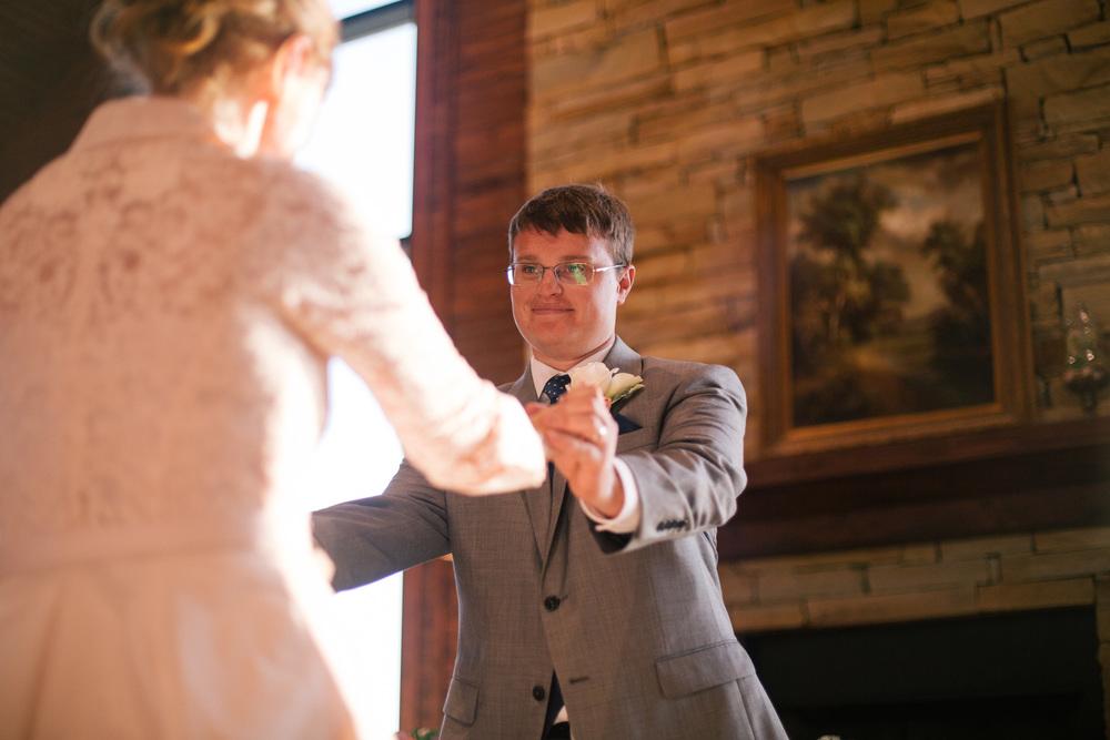 Brock_Tayler_Norwood_Wedding_2015_Pointes_West_Appling0023.jpg