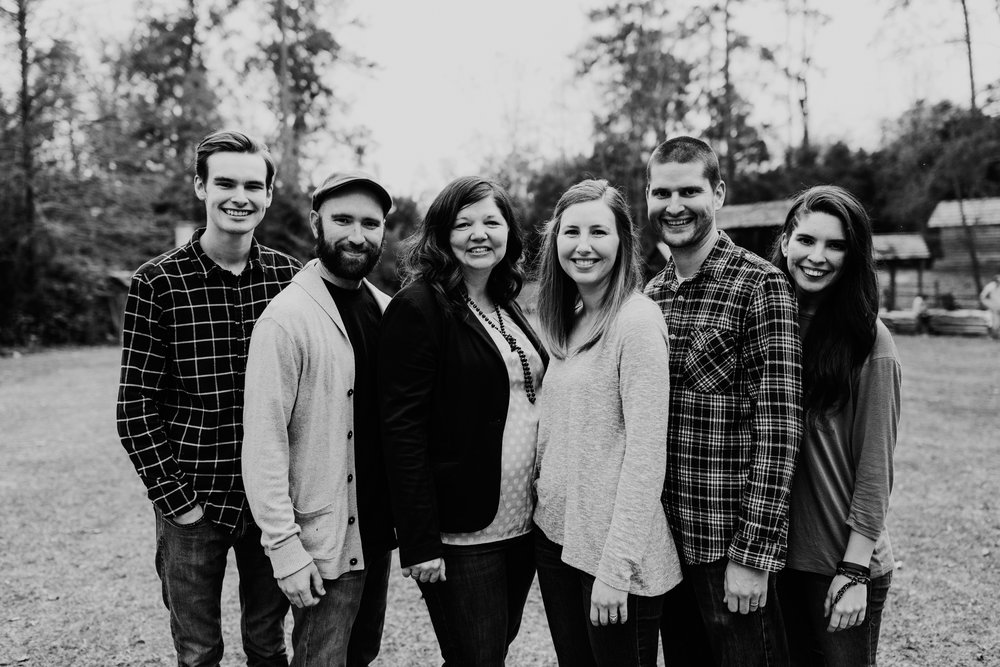 Elliott_Family_2016_079bw.jpg
