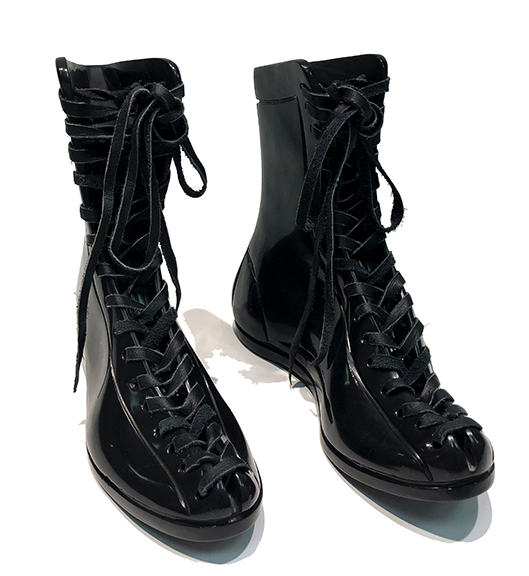 KL_Boxing Boots II_24x28x10cm_01_sm.jpg